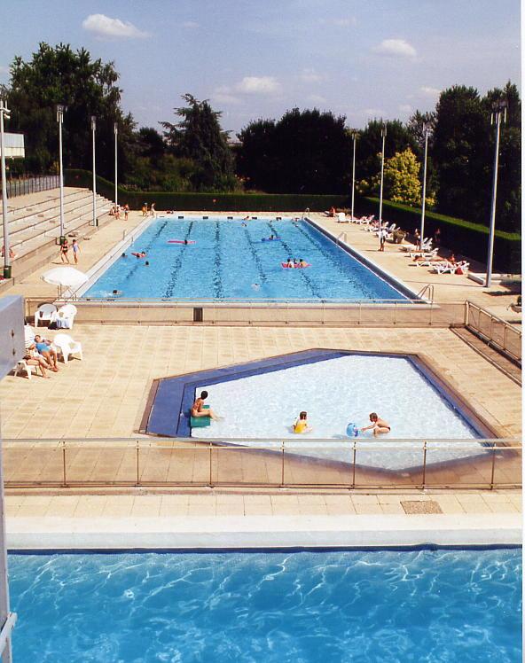 Photos de stade nautique corbeil essonnes 91100 for Horaire piscine corbeil